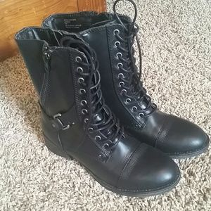 Rampage boots new in box!